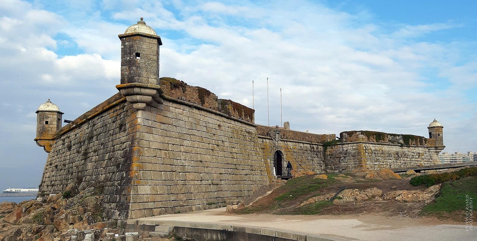 Outros/Forte S. Francisco Xavier  ( Castelo do Queijo)
