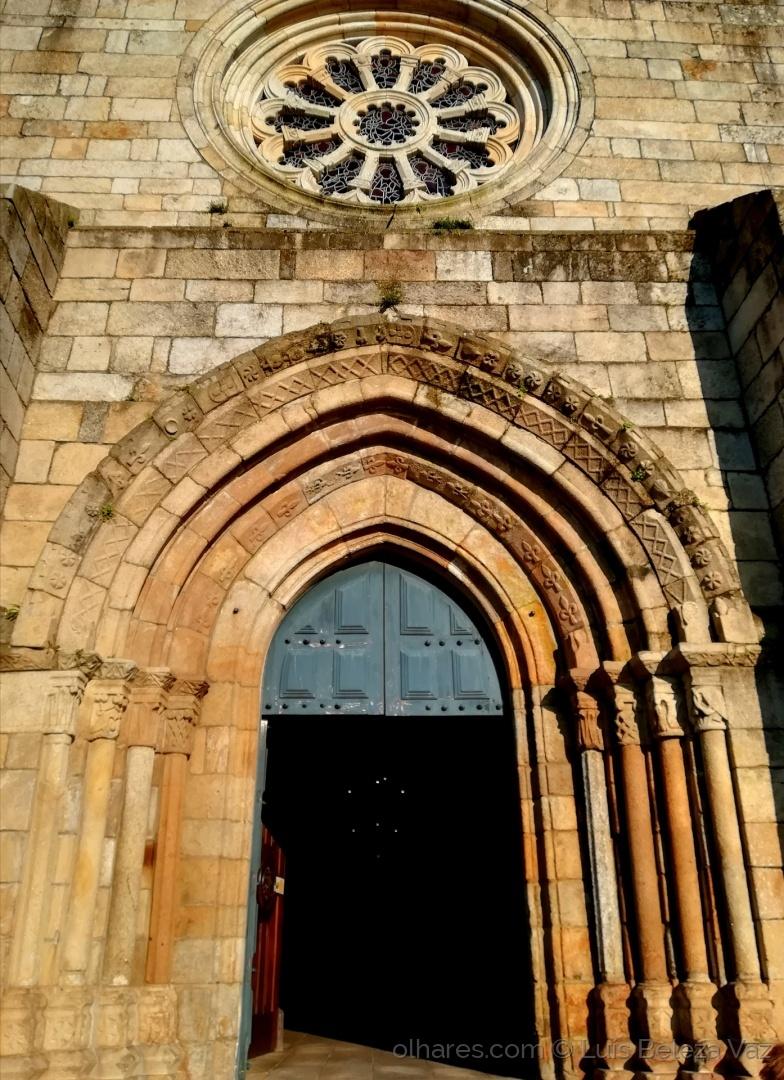 História/Entrada da Igreja Matriz de Barcelos