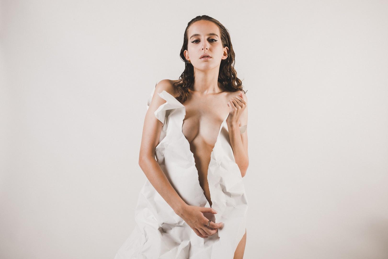 Retratos/paper dress
