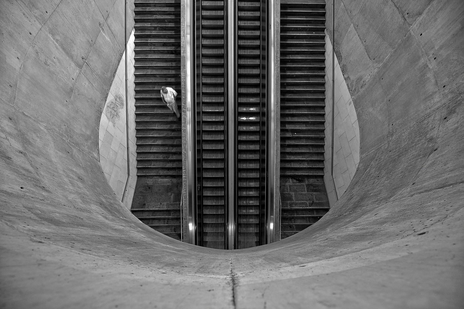 Fotografia de Rua/Will I have the strength to go up later?