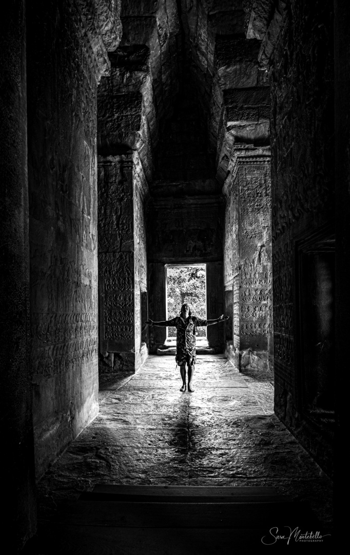 Outros/In the breath of Angkor Wat