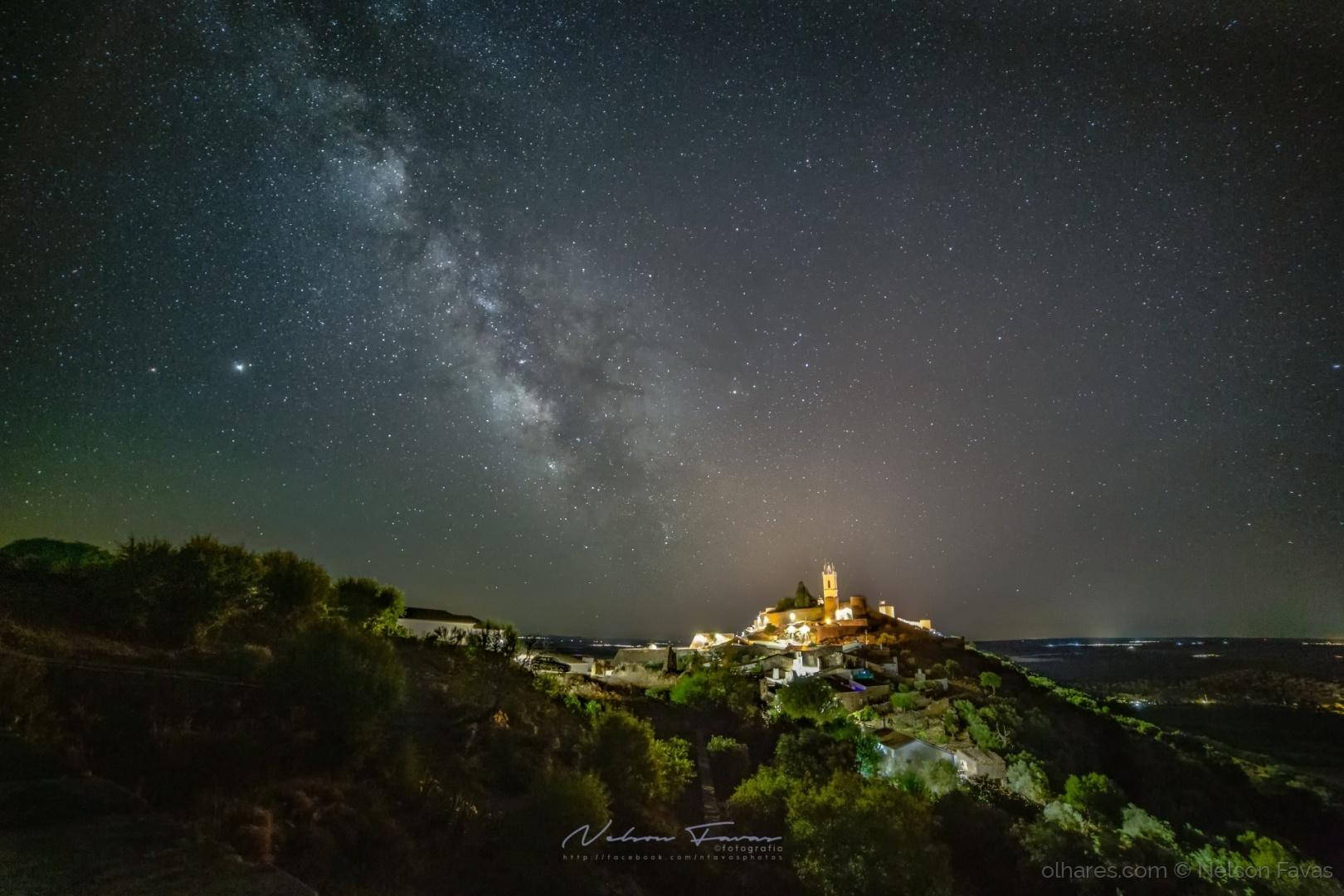 Paisagem Natural/No céu noturno de Monsaraz