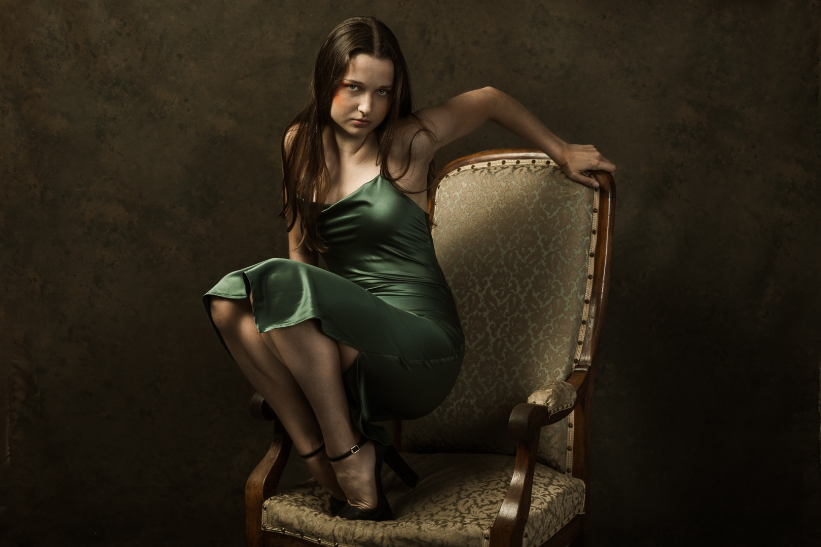 Retratos/don't you sit on your grandma's chair like that!