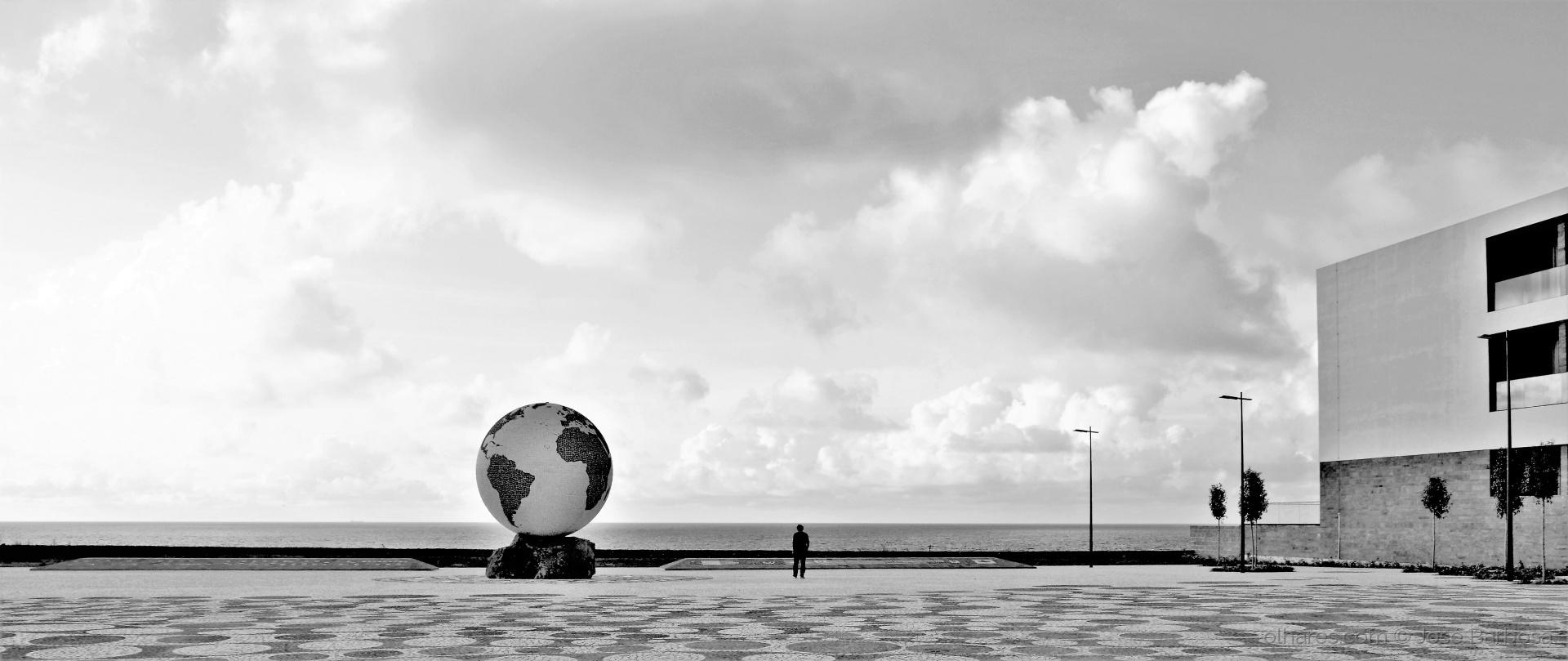 Fotografia de Rua/Um Homem só no Mundo (desc.)