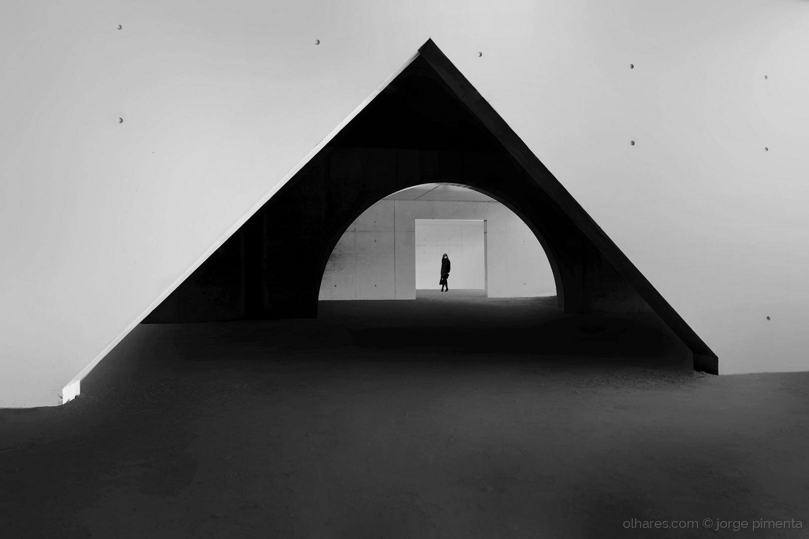 Arquitetura/Verso solto para sagração feminina