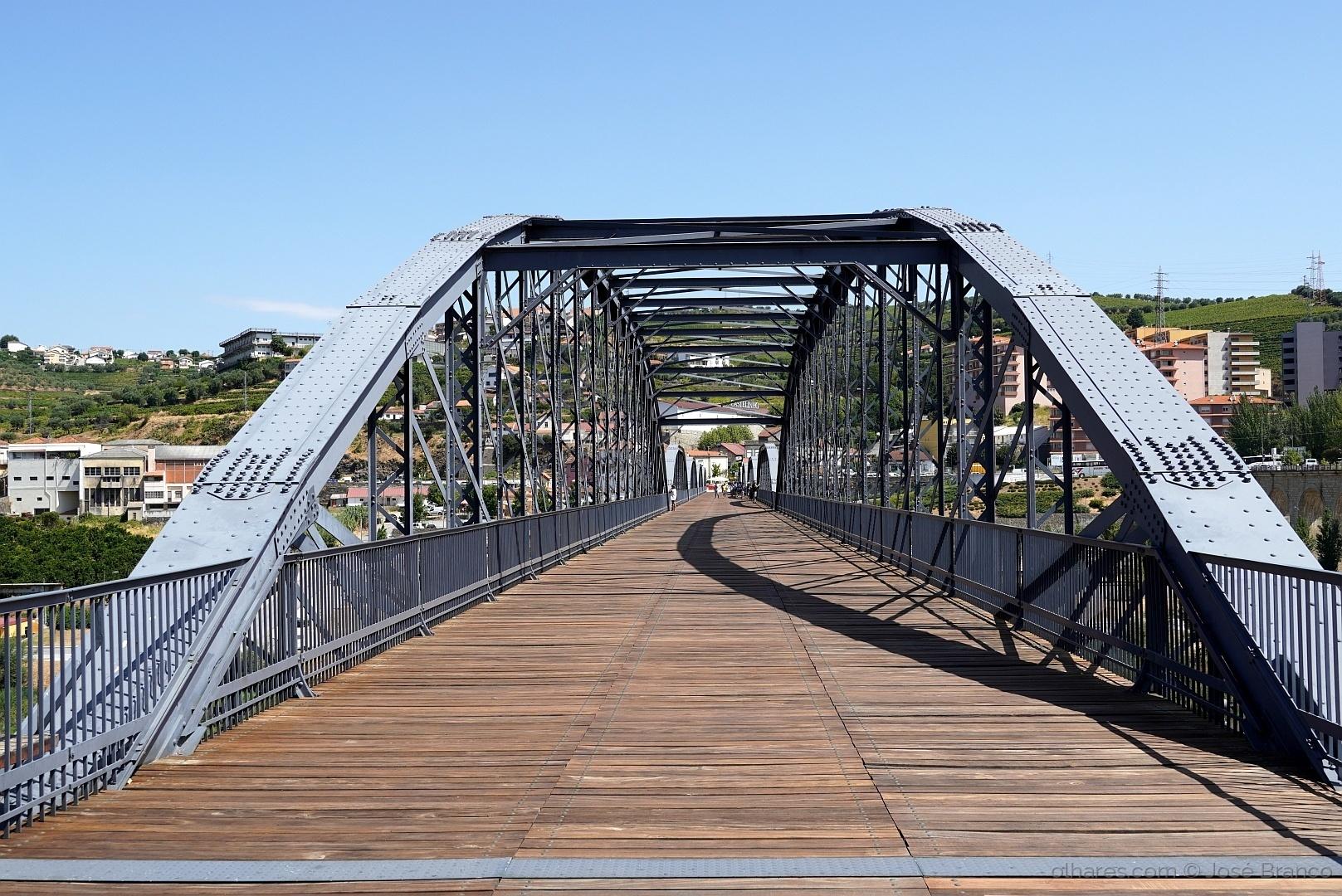 """Gentes e Locais/""""Ponte pedonal da Régua"""""""