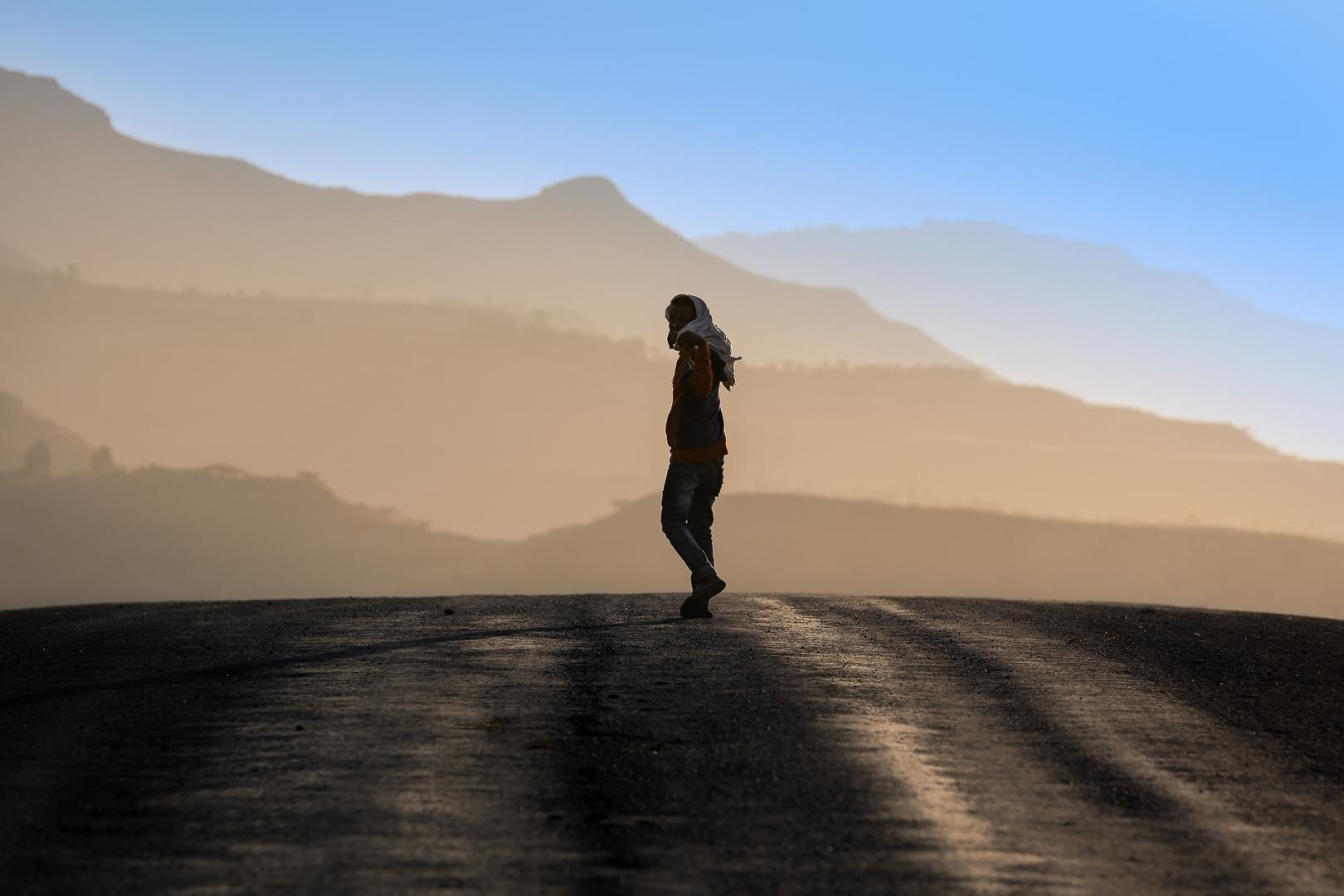 Gentes e Locais/One step at a time