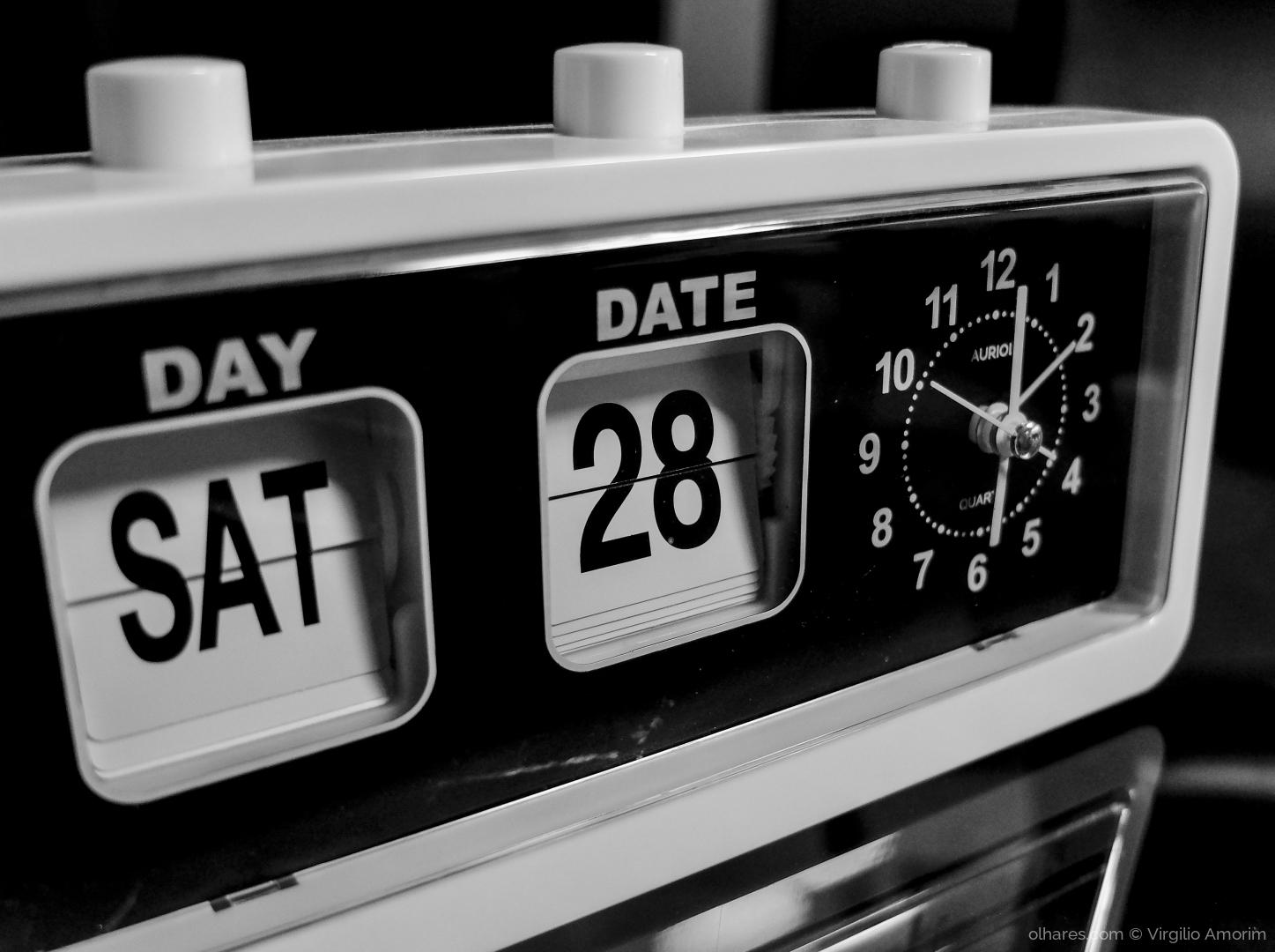 Macro/06:00 ou 18:00 horas - uma questão de perspectiva