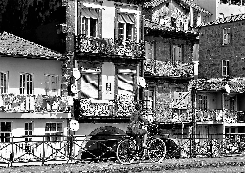 Fotografia de Rua/PEDALANDO POR MIRAGAIA - Porto