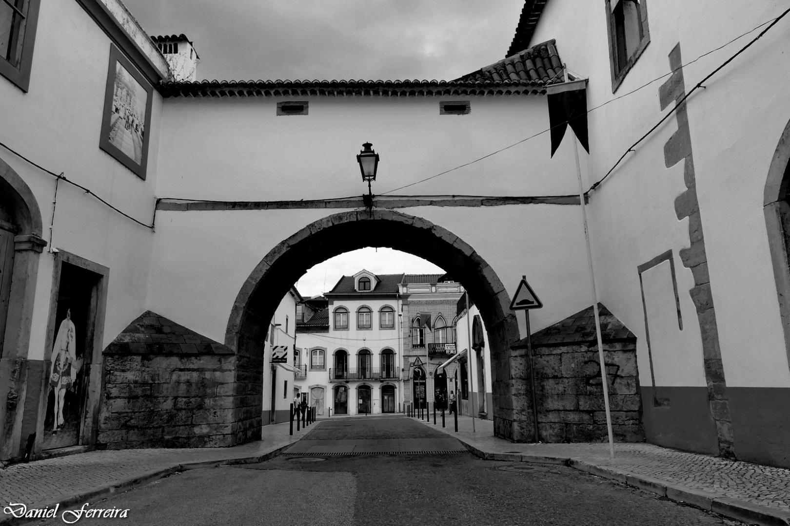 Gentes e Locais/Arco da rua de Santa Iria