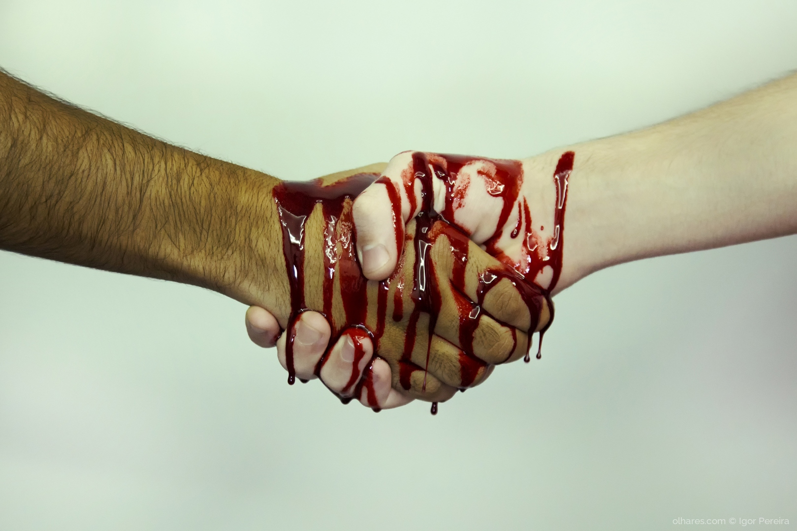 Abstrato/Mãos que sangram