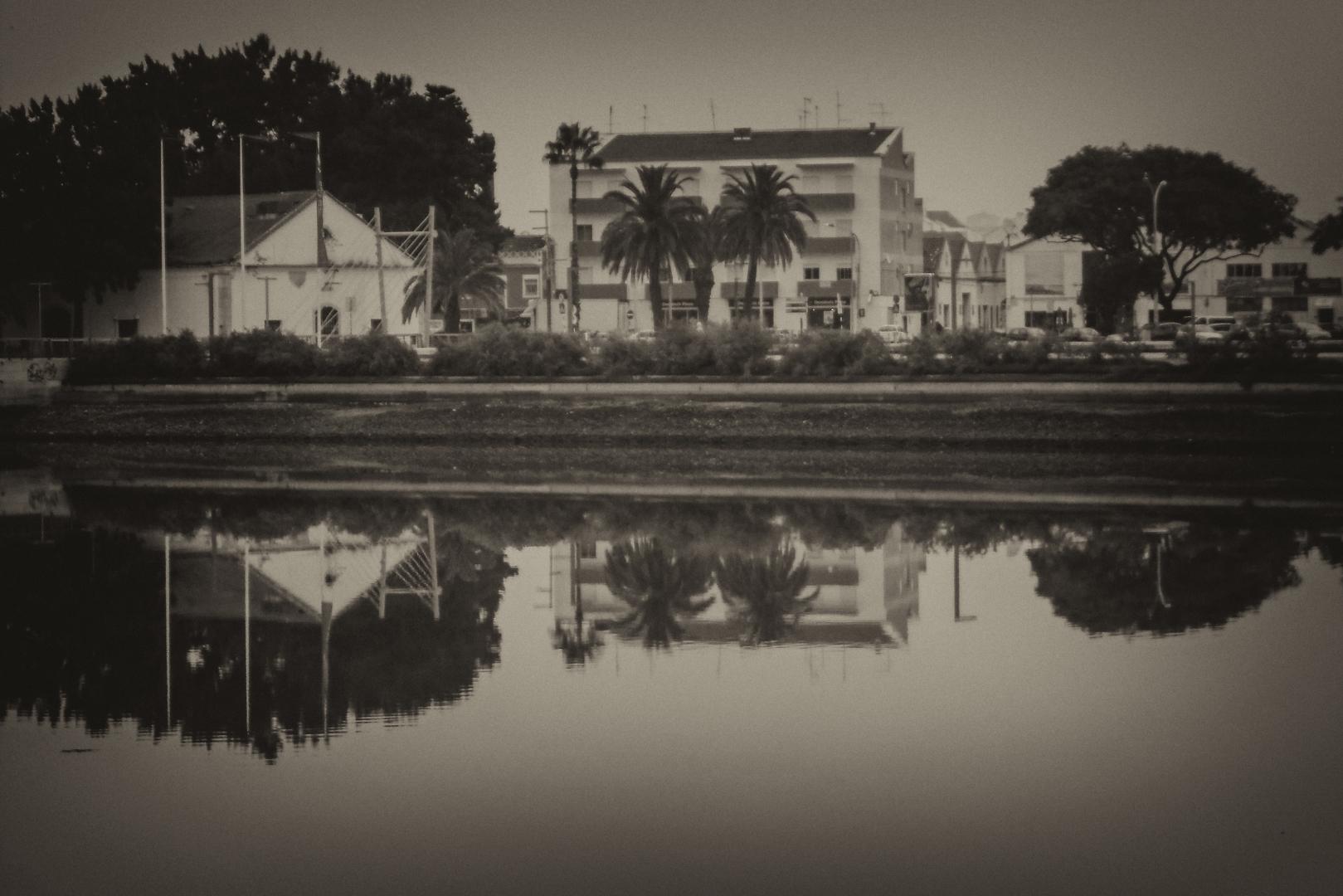 Paisagem Urbana/Espelho da calmaria