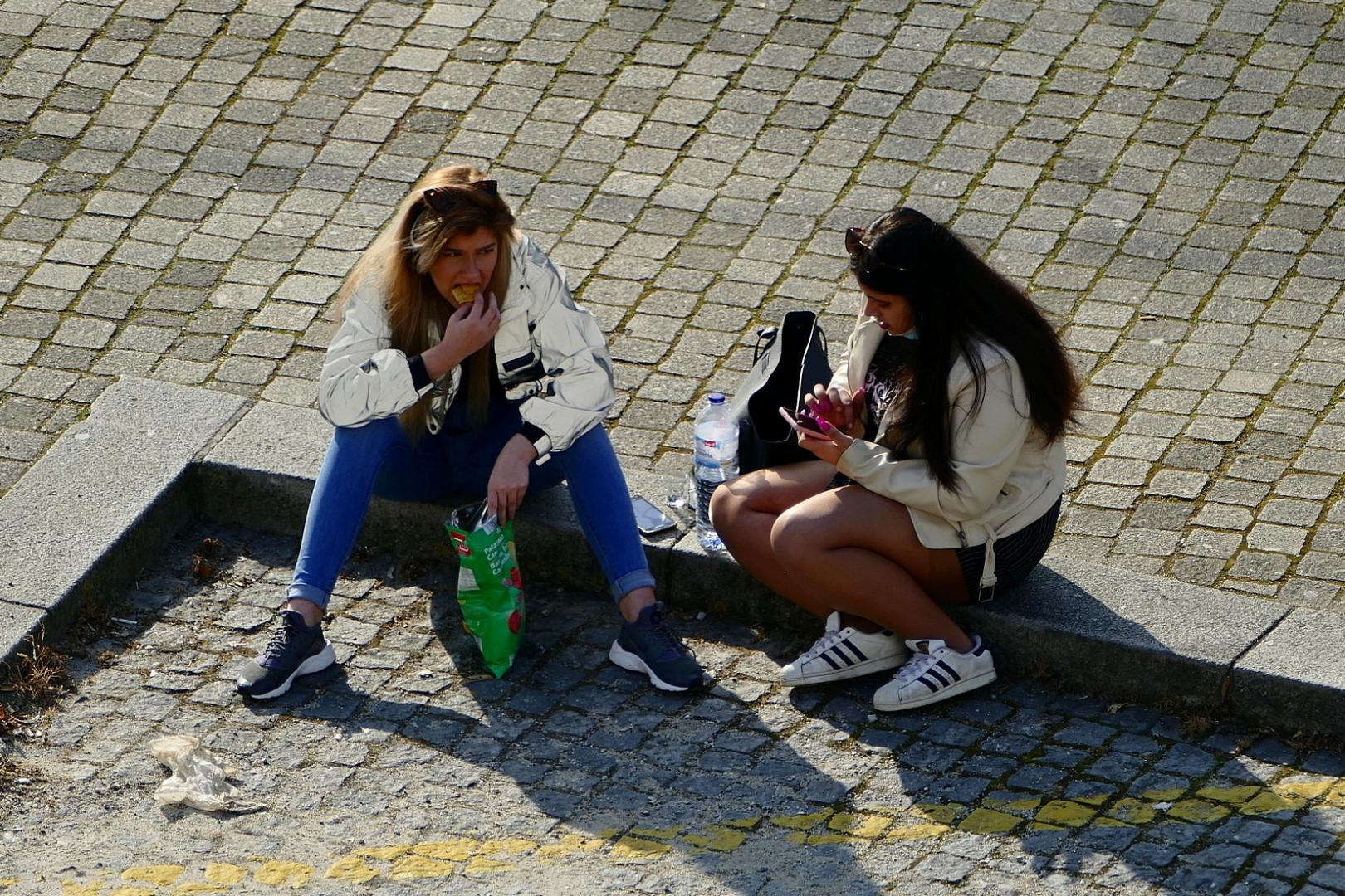 Gentes e Locais/Á espera do autocarro