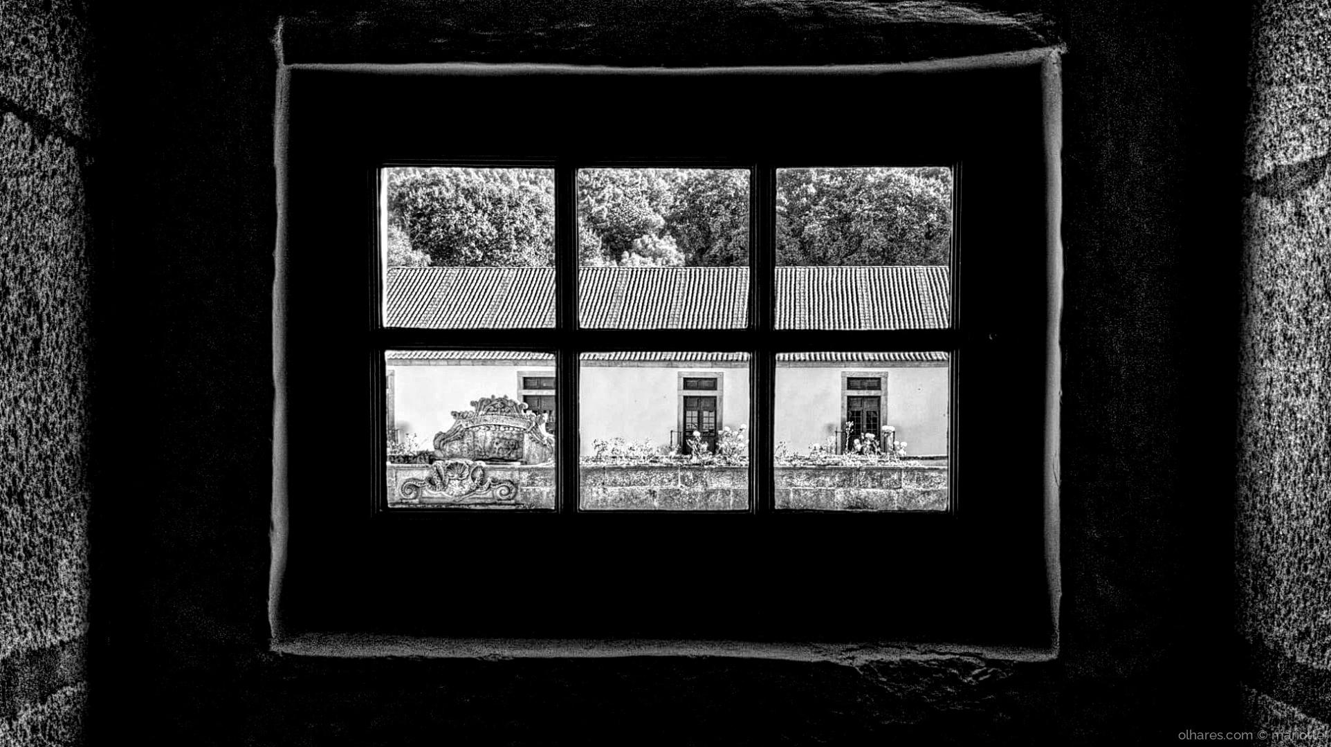 Retratos/janela em tibães
