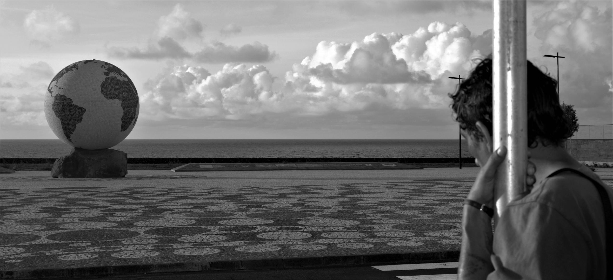 Fotografia de Rua/A linha entre o Homem e o Mundo