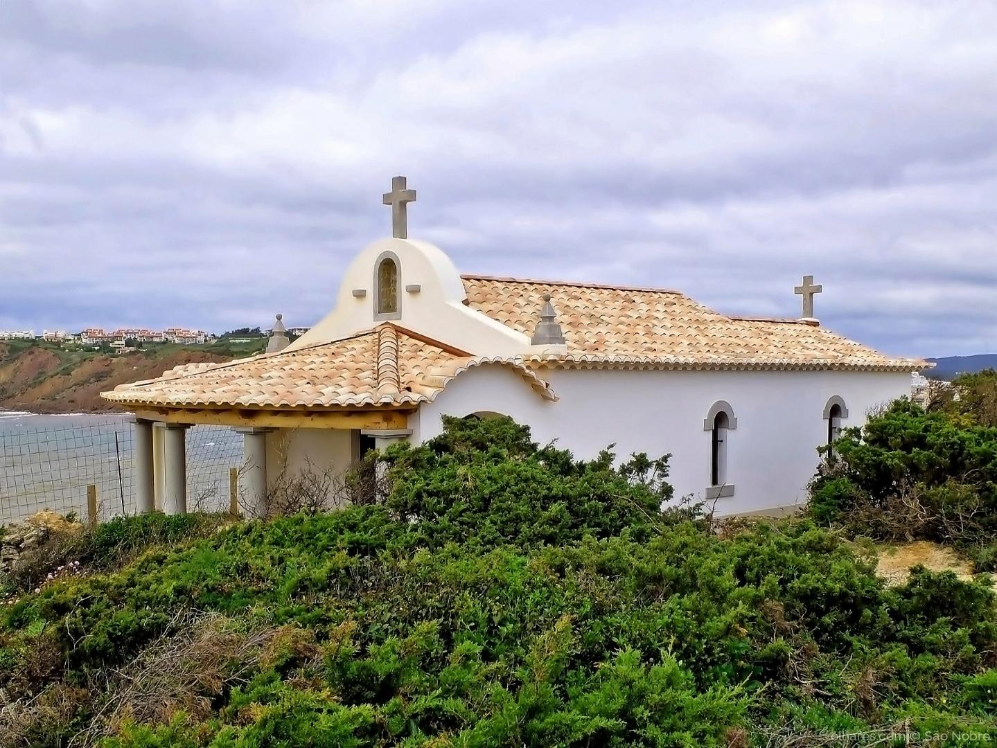 Arquitetura/Capela de Santa Ana, em Salir do Porto