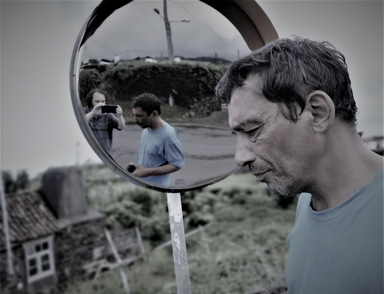 Fotografia de Rua/Reflexos de dois irmãos eternos (desc.)