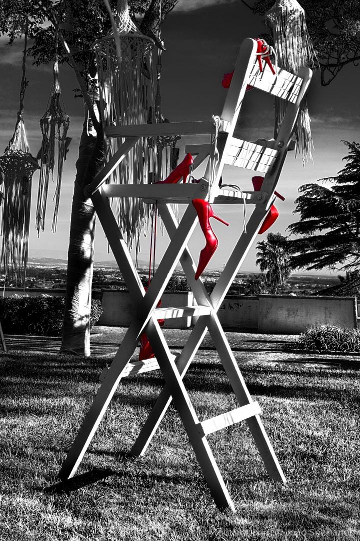 Arte Digital/A cadeira dos sapatos vermelhos