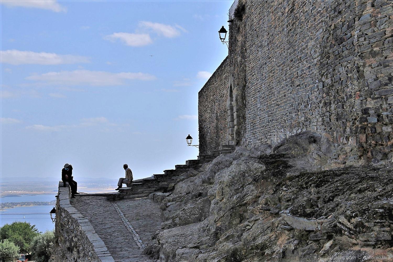 Fotografia de Rua/CONVERSAS DE FIM DE DIA - Castelo de Monsaraz