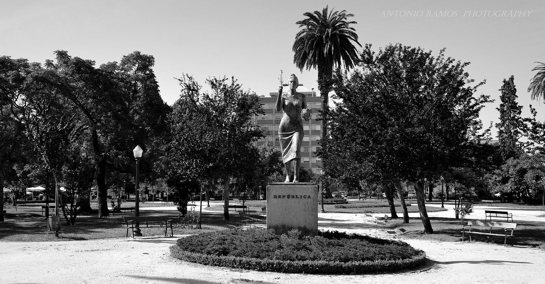 Gentes e Locais/Praça da República