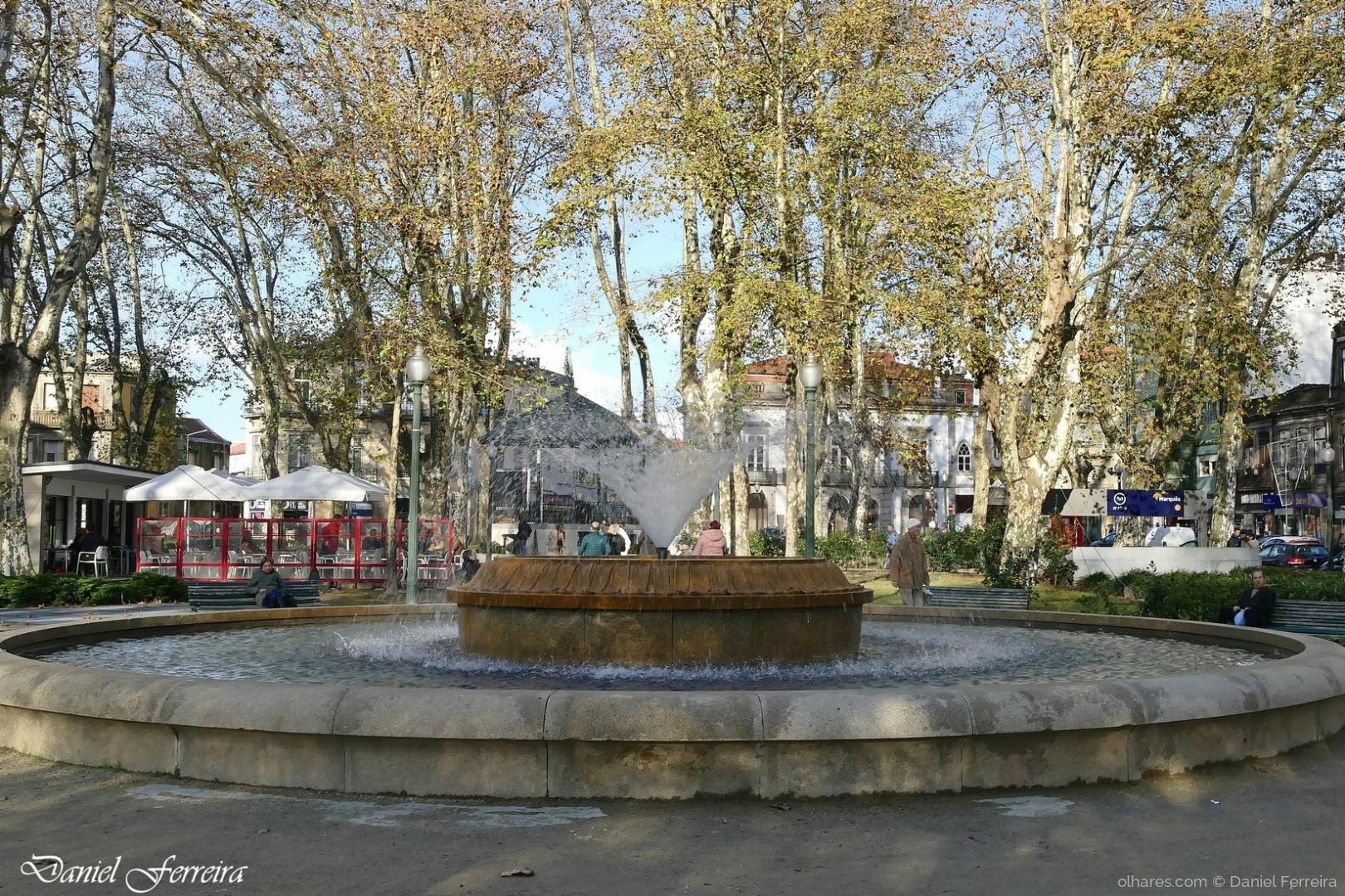 Gentes e Locais/Fonte de repuxo, do Jardim