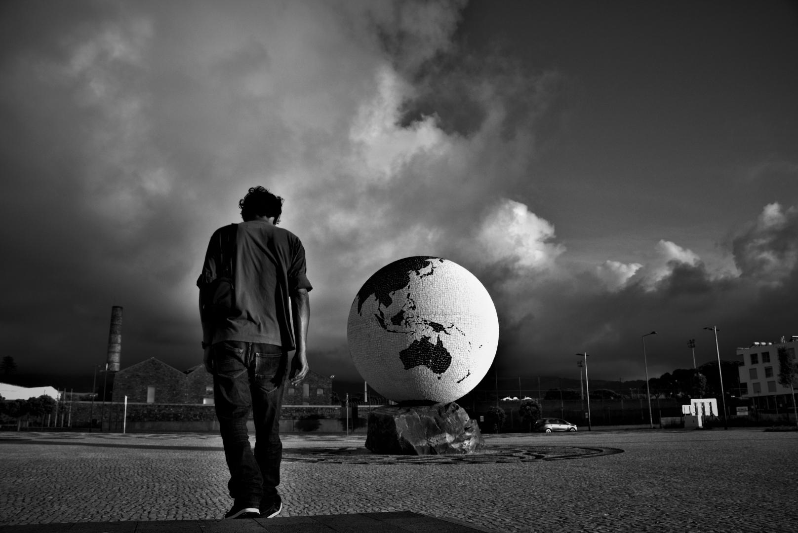 Fotografia de Rua/O regresso do Homem ao Planeta Terra (desc.)