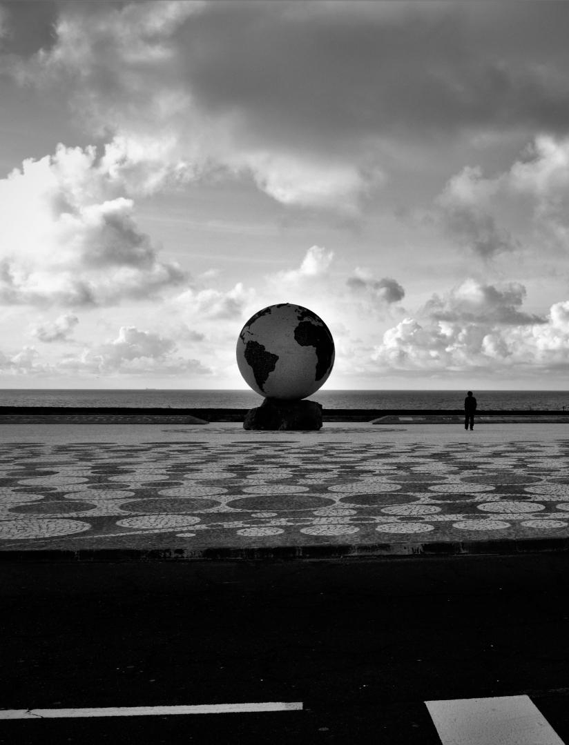 Fotografia de Rua/O último Homem no Planeta Terra ? (IV)