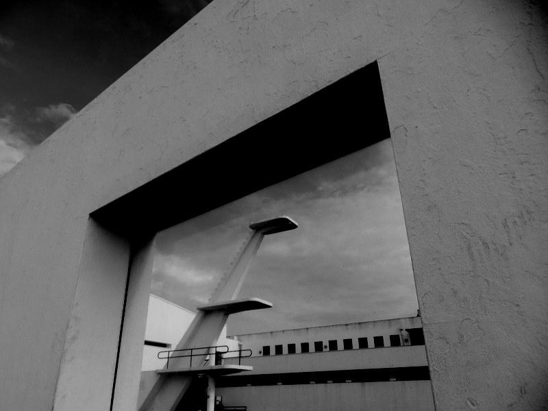 Arquitetura/A(s)SALTO PELA JANELA