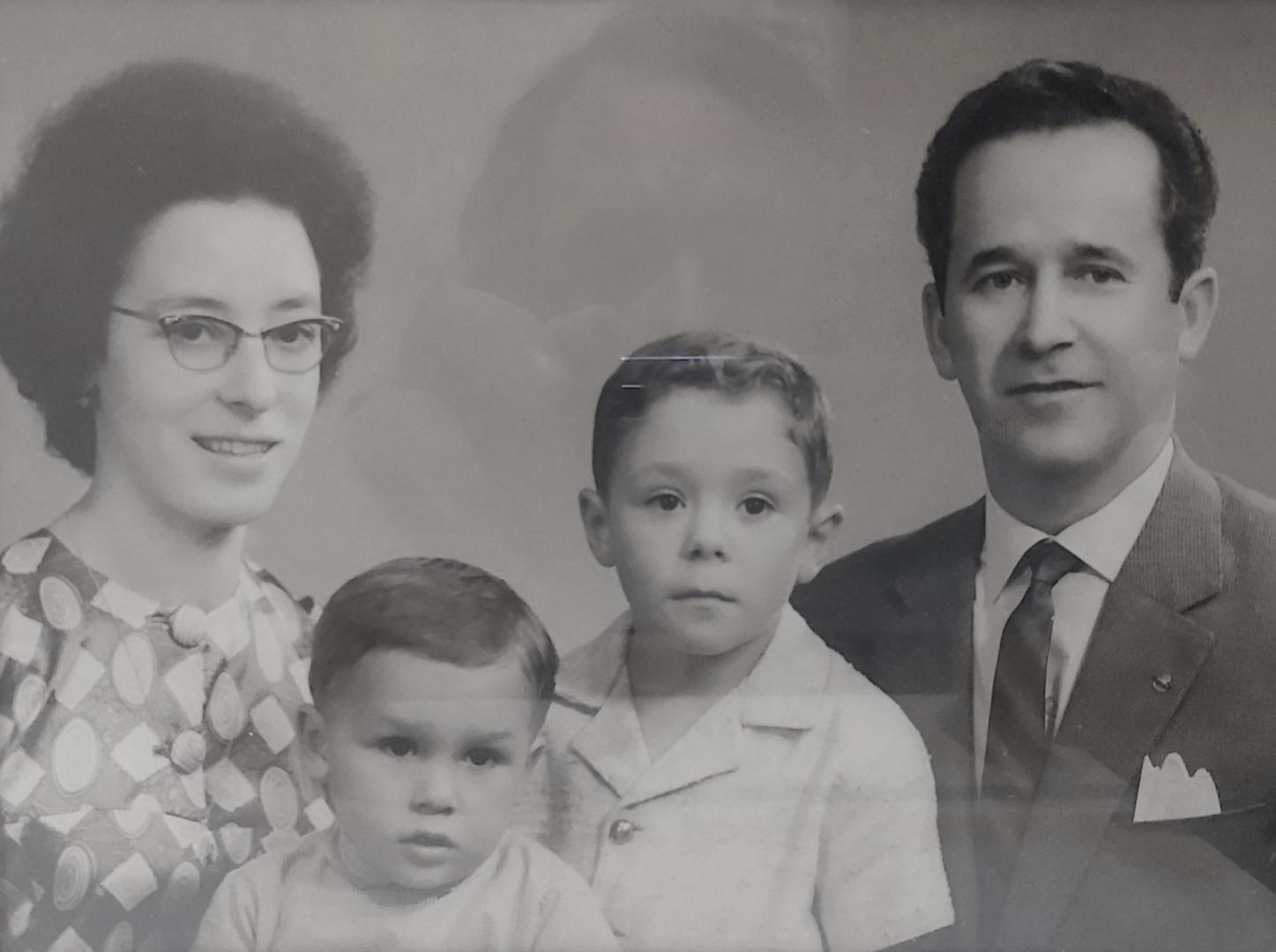 Retratos/Uma FAMÍLIA para a eternidade (f. reler)