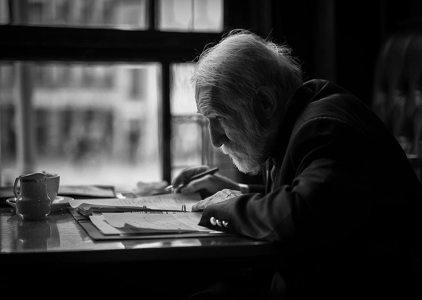 Gentes e Locais/The Writer II
