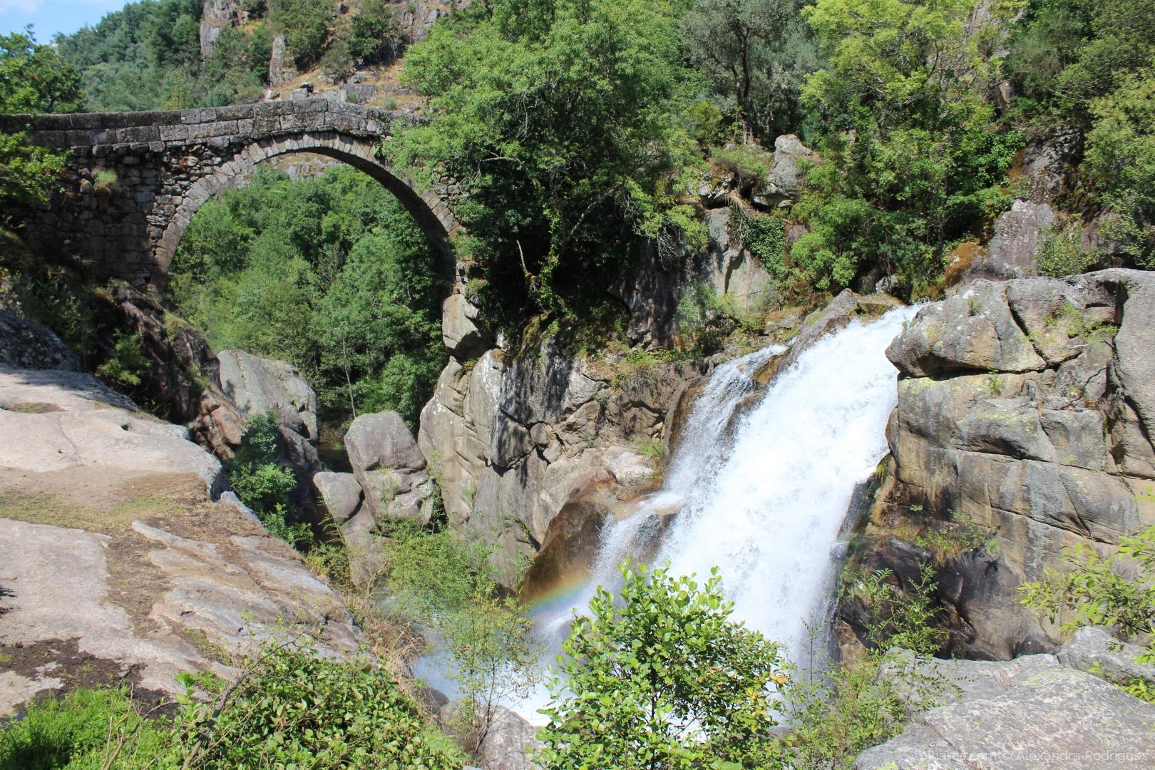 Paisagem Natural/Cores do arco íris na Ponte Misarela