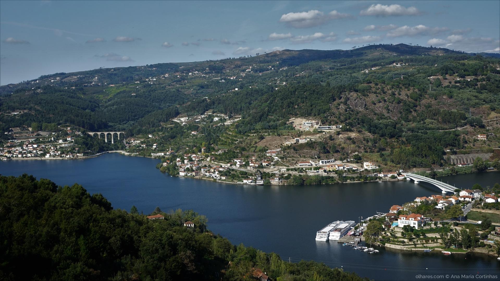 Paisagem Natural/Subindo o Douro....    (Pf ler)