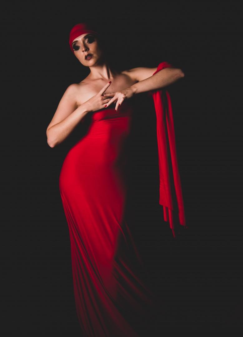 Retratos/Elegant Red.. # 30