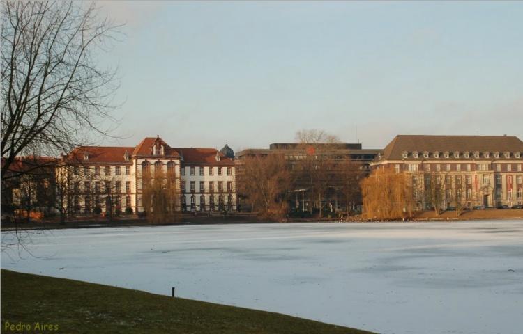 Paisagem Urbana/Lago congelado