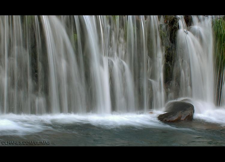Paisagem Natural/Fios de Água