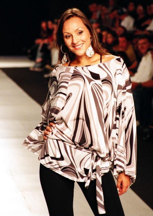 Moda/Curitiba Crystal Fashion