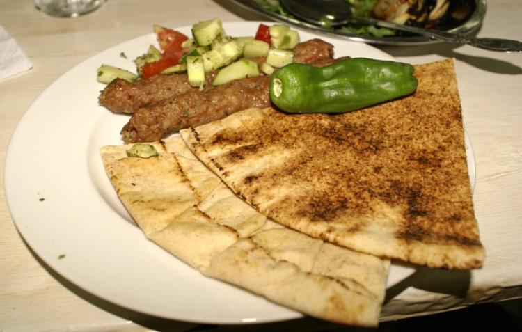Gentes e Locais/Comida típica síria