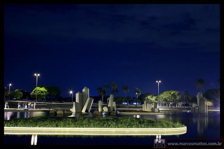 Paisagem Urbana/Praça dos Cristais - Brasília/DF - Brasil