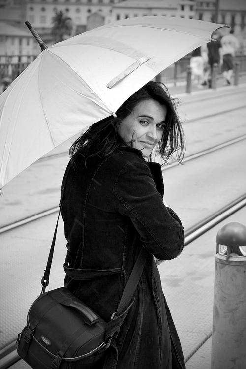 Retratos/Maria à chuva