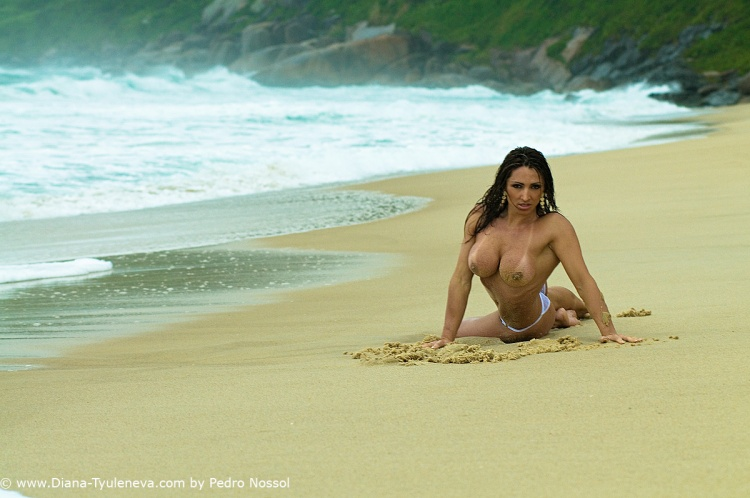 Nus/MOLE BEACH