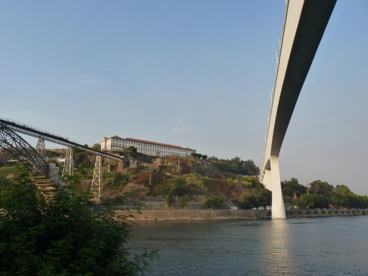 Paisagem Urbana/pontes ferroviárias do Douro e colégio dos Órfãos