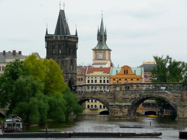 Outros/Praga