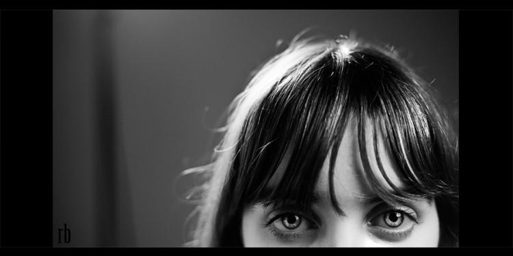 Gentes e Locais/Anocas dos olhos brilhantes