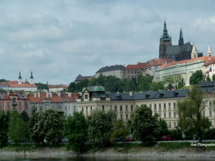 Outros/Praga (Castelo e Catedral)