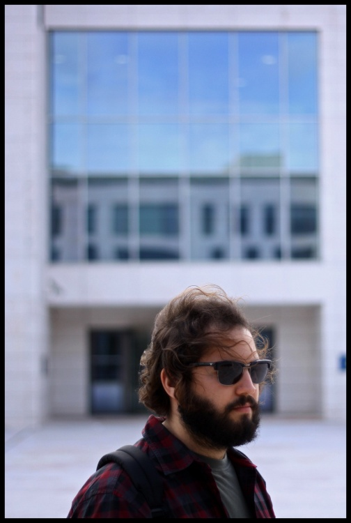 Gentes e Locais/Retrato de um Designer