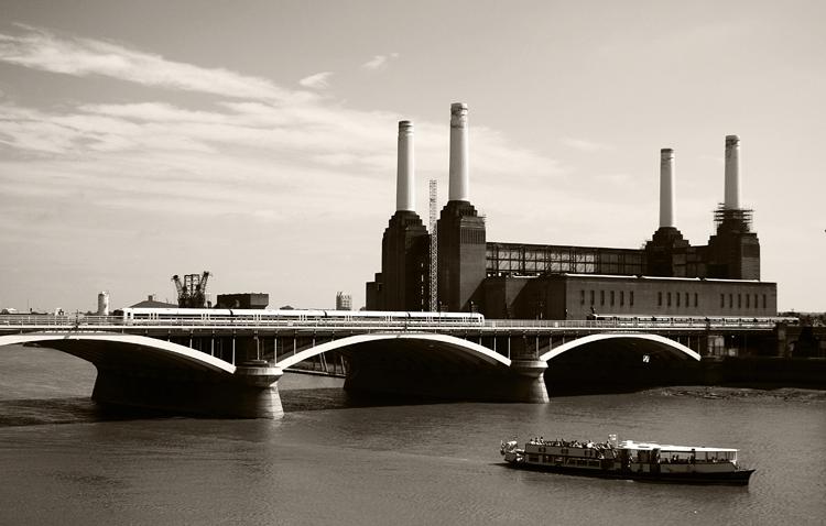 Gentes e Locais/Battersea Power Station