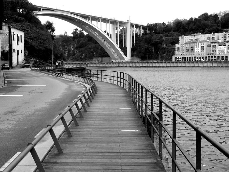 Paisagem Urbana/Ponte de Arrábida vista de Gaia