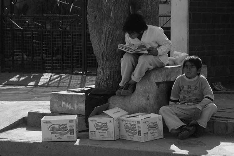 Outros/Crianças estudando