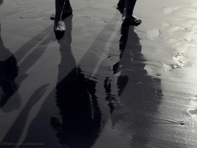 Abstrato/A passo com sombras e reflexos...
