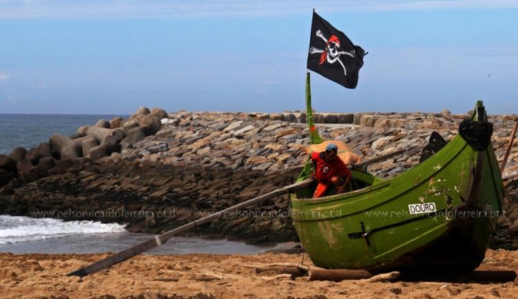Gentes e Locais/Pirata das Caraíbas Português